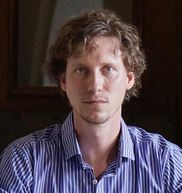 Josh Straub classical piano